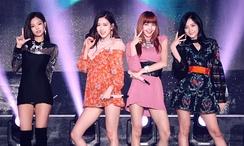 Black Pink с {amp}quot;As If It's Your Last{amp}quot; на Фестивале Musik Korea 1 октябя 2017.
