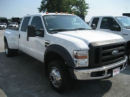Class 4 2008 Ford F-450 4×4 pick-up truck (GVWR: 14,500 pounds (6.6 t))