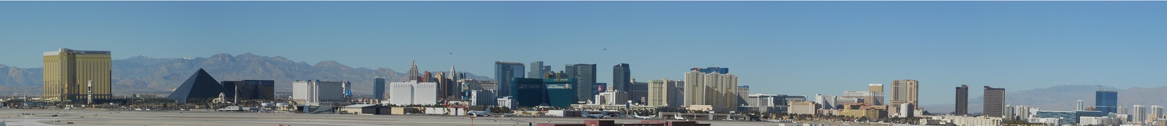Las Vegas strip panorama 1.jpg