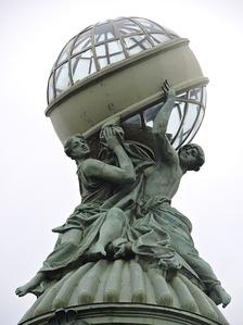 Глобус на башне