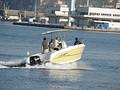 Моторная лодка с жестким корпусом