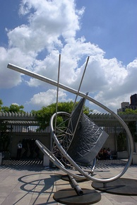 Memantra by Frank Stella on exhibit in the roof garden.