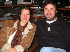 Amy Grant and Gill at a 2004 concert to show support for U.S. military men and women