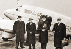 Lithuanian delegation before departing to Moscow to negotiate the Soviet–Lithuanian Mutual Assistance Treaty on October 7, 1939.