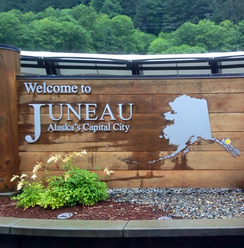 "The ""Welcome to Juneau"" sign at the cruise port"
