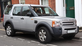 2004 Land Rover Discovery 3 TDV6 HSE 2.7 Front.jpg