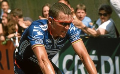 Armstrong finishing third in Sète, taking over the Yellow Jersey at Grand Prix Midi Libre.