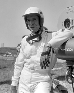 Yves Montand as Formula One driver Jean-Pierre Sarti in Grand Prix, 1966