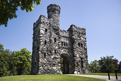 Bancroft Tower stands atop Bancroft Hill and was erected in 1900 by Stephen Salisbury III in honor of his childhood friendship with George Bancroft.[75]
