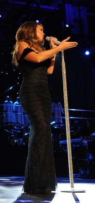 "Carey performing ""Hero"" live during the Neighborhood Inaugural Ball for President Obama"