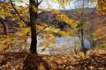 Секретное Голубое озеро осенью