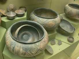 Celtic pottery vessels from a burial site near the Heuneburg