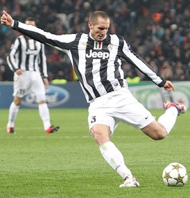 Chiellini playing for Juventus in 2012