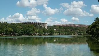 Мультиспортивный комплекс (слева) и стадион Минейрао (справа) в столице штата— Белу-Оризонти