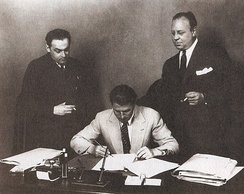 Erich Pommer (left) with Carl Zuckmayer and Emil Jannings (1929)