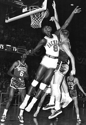 Bellamy (#8) averaged 31.6 points per game and 19.0 rebounds per game during his rookie season.