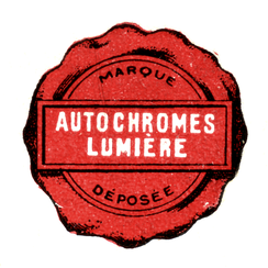 Autochrome logo - scanned and extracted (isolated) from an original box of Autochrome plates