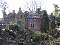 Ruined house at Ulnaby Lane junction, now replaced by Lawson's Court