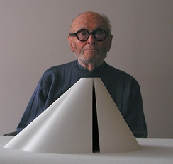 Philip Johnson, architecture alumnus
