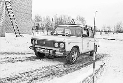 Driver student takes exercises in winter weather (Russia, 2002)