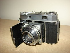 Kodak Retina Series Cameras were produced between 1949 until 1956. It also had the KodaChrome Technology