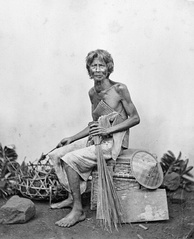 A Sudra caste man from Bali. Photo from 1870, courtesy of Tropenmuseum, Netherlands.