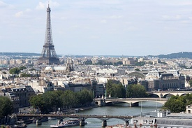 Seine and Eiffel Tower from Tour Saint Jacques 2013-08.JPG
