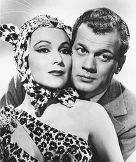 Dolores con Joseph Cotten en Journey into Fear (1942).