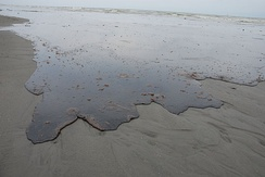 Thick oil washes ashore in Louisiana; 10 June 2010