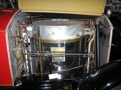 Boiler in a 1924 Stanley Steamer Serie 740, to the right is the condenser