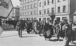 Jewish prisoners being deported from the Kraków Ghetto