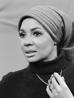 Shirley Bassey was the first Welsh person to gain a No. 1 single.[22]