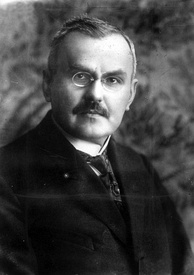Władysław Grabski reformed the currency and introduced the Polish zloty to replace the marka