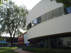 Exterior of the 2005 extension to the Hartley Library