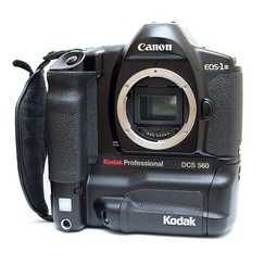 A Kodak DCS 560, part of the second generation of digital SLRs derived from the EOS-1N