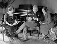 La Follette with his wife and daughter in February 1924
