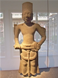 A statue of Visnu found at Óc Eo (6–7th century AD).