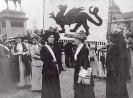 Suffragettes at a rally in Cathays Park in 1913.