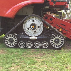 Rubber tracks (Case IH 8240)