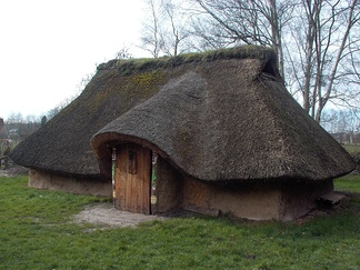 Reconstruction of a Menapian dwelling at Destelbergen.