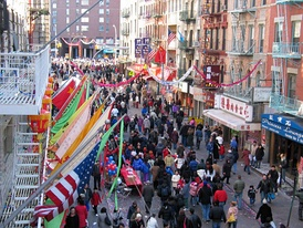 Street fairs (街頭慶祝活動) are commonplace and represent an integral institution in the cultural fabric of Chinatown in Manhattan.