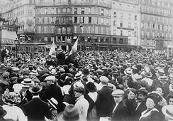 Photograph shows reservists and crowd at the Gare de Paris-Est, Paris during the beginning of World War I