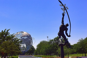 Rocket Thrower (1963) at Flushing Meadows–Corona Park.