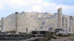 View of the Acropolis of Pergamon in the background, as seen from Via Tecta at the entrance to the Asclepeion.