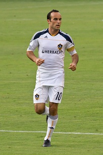 Landon Donovan playing for Galaxy in 2010