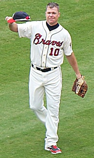 Jones salutes the crowd at Turner Field prior to his final regular season game
