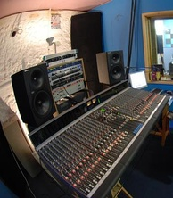 Allen & Heath GS3000 analogue mixing console in a home studio