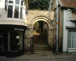 A Norman arch c. 1150 in Andover, Hampshire