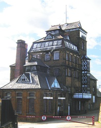 Hook Norton Brewery is one of the last surviving Victorian breweries in the UK. (April 2006).
