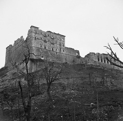 The ruined monastery at Monte Cassino in May 1944